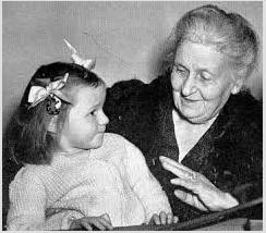 Maria Montessori con niña